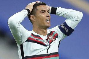 Juventus gặp rắc rối khi Ronaldo dương tính với Covid-19