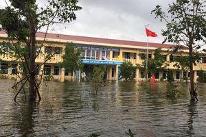 Học sinh vùng bão lũ vẫn chưa thể trở lại trường học