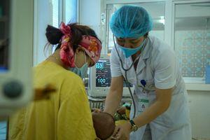 Vụ trẻ tử vong sau tiêm vắc-xin 5 trong 1: Thêm 4 bệnh nhi sốc phản vệ