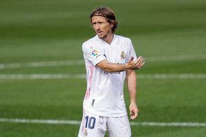 Modric cam kết tương lai với Real Madrid