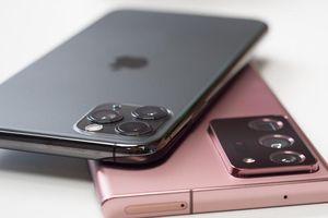 So găng cặp đôi kì phùng địch thủ Note20 và iPhone 12 trước giờ G
