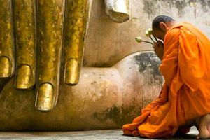 Niềm tin vào Tam bảo và lòng tự tín của người Phật tử