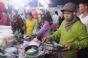 Hàng Việt về nông thôn thu hút đông người mua sắm