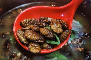 'Kinh dị' các món ăn côn trùng trở thành đặc sản khắp châu Á