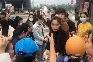 Nghĩa cử đẹp của sao Việt chung tay vì 'rốn lũ' miền Trung