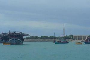 Hỗ trợ 337 ngư dân vào tránh trú áp thấp nhiệt đới trên Biển Đông.