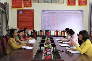Các trường vùng cao Lai Châu gặp khó khăn với bộ sách giáo khoa mới