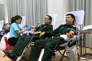 Gần 200 cán bộ, đoàn viên công đoàn Viện Thiết kế Bộ Quốc phòng đăng ký hiến máu tình nguyện