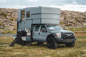 Ford F-550 Adrift, xe cắm trại độc nhất chào bán 5,2 tỷ đồng