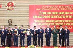 Thủ tướng dự lễ trao chứng nhận đầu tư 2 dự án 400 triệu USD tại Nghệ An