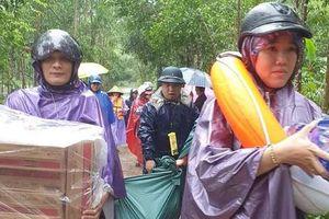 Các cấp Hội chia sẻ với thân nhân những người thiệt mạng do mưa lũ ở miền Trung