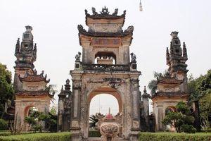 Nguyễn Xí: 'Nghĩa vua tôi nghìn thuở, đỡ mặt trời mà đặt lên cao'