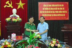 Thứ trưởng Nguyễn Văn Sơn kiểm tra công tác ứng phó mưa lũ tại Quảng Nam và Đà Nẵng