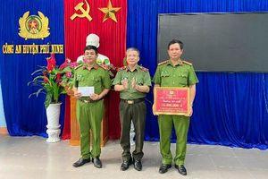 Khen thưởng đột xuất CAH Phú Ninh