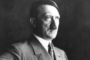 Trước lúc tự sát, Hitler sống những ngày cuối đời ở đâu?