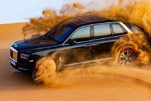 Rolls-Royce Cullinan chứng minh xe siêu sang không hề 'kiểng'