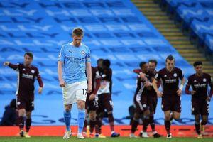 Man City mất 'vua kiến tạo' khi đại chiến Arsenal