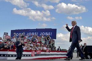 Đại dịch Covid-19 'xóa sổ' thành tích kinh tế của ông Trump