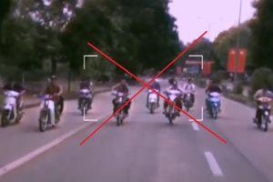 Nhóm học sinh tụ tập đua xe, bốc đầu xe máy, còn lên mạng xã hội 'tuyển thành viên'