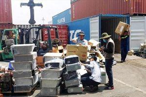 Tái xuất phế liệu không đủ điều kiện nhập khẩu đang tồn đọng