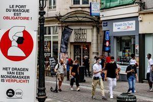 Số ca mắc COVID-19 mới tăng kỷ lục trở lại, châu Âu siết chặt dập dịch