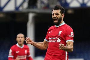 Salah tỏa sáng, Liverpool chặn mạch toàn thắng của Everton