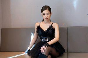 'Thiên nga đen' Jennie khiến các tín đồ của màu đen phát cuồng vì bộ váy 'đỉnh của đỉnh'