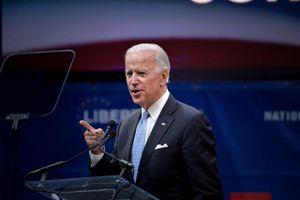 Dự báo làn sóng bán tháo cổ phiếu nếu ông Biden đắc cử