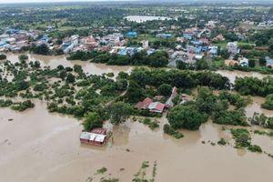 Mỹ viện trợ khẩn cấp 100.000 USD giúp Campuchia ứng phó với lũ lụt