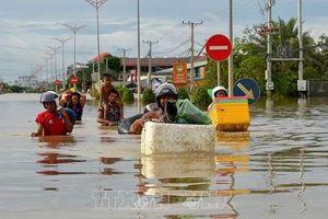Thủ tướng Nguyễn Xuân Phúc gửi điện thăm hỏi về việc mưa lớn và ngập lụt trên diện rộng ở Campuchia