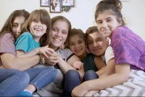Câu chuyện cô gái 17 tuổi xoay xở nuôi 5 em ăn học lan truyền mạng xã hội