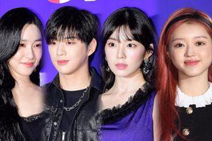 Thảm đỏ Kpop hot nhất tối nay (18/10): Kang Daniel, Tiffany (SNSD), Red Velvet rủ nhau 'trẩy hội'