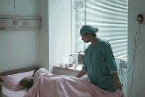 Đi khám vì ra máu bất thường, người phụ nữ choáng váng khi nhận kết quả