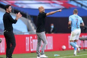 Pep Guardiola cán mốc ấn tượng sau chiến thắng trước Arsenal