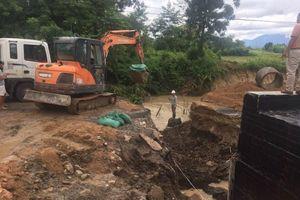 Gia Lai: Quốc lộ 25 bị chia cắt, giao thông tê liệt nhiều giờ vì mưa lớn