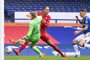 Liverpool mất Van Dijk hết mùa giải