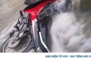 Đi xe máy qua tràn đập, người đàn ông bị nước cuốn tử vong
