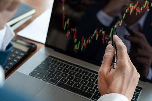 Nhà đầu tư chứng khoán sống khỏe nhờ chính sách tài khóa, tiền tệ