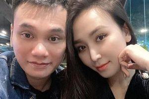 Vợ Khắc Việt sinh đôi con đầu lòng