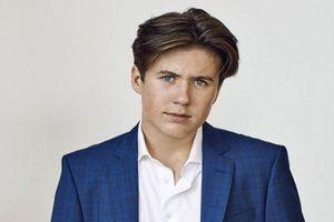 Vẻ điển trai ngời ngời của Hoàng tử Đan Mạch 15 tuổi