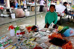 Cần chấm dứt việc bán thuốc chữa bệnh ở các phiên chợ vùng cao
