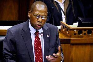 Bộ trưởng Y tế Nam Phi Zweli Mkhize mắc Covid-19