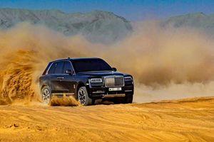Mãn nhãn với màn off-road trên sa mạc của xế sang Rolls-Royce
