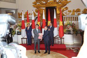 Vĩnh Phúc trao Giấy chứng nhận đầu tư trị giá 100 triệu USD cho Công ty TNHH Toto Việt Nam
