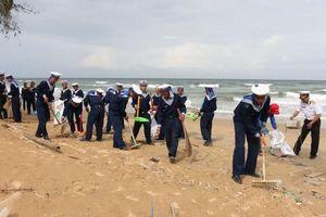 Tuổi trẻ Vùng 5 chung tay bảo vệ môi trường biển