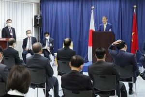 Thủ tướng Nhật Bản khích lệ sinh viên Việt Nam cần có nỗ lực, ý chí mạnh mẽ
