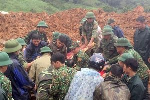 Chiến sỹ thoát chết đau đớn nghe đồng đội kêu cứu trong đống bùn đất ở Đoàn 337