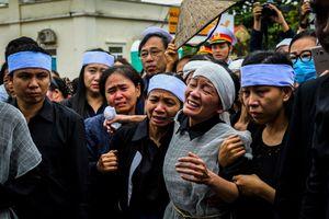 Người dân quê nhà đón Thiếu tướng Nguyễn Hữu Hùng về đất mẹ