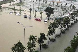 TP Hà Tĩnh ngập sâu trong mưa lũ