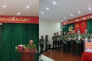 Nghĩa tình của Công an quận Hà Đông gửi tặng đồng bào miền Trung